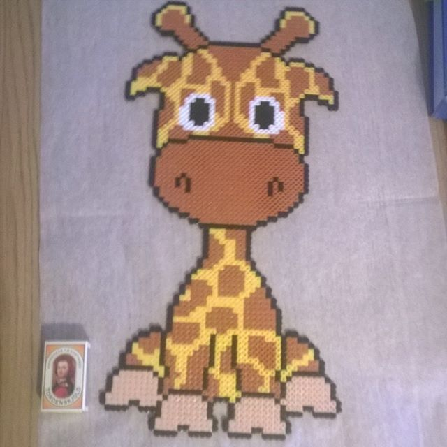 Giraffe hama beads by marlenebanghalgaard - Pattern: https://de.pinterest.com/pin/374291419013031076/