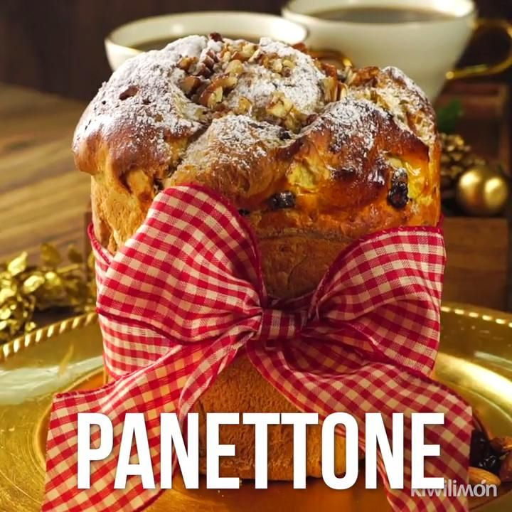 Panettone Video - This fluffy pancake of Italian origin, with nuts and a touch of brandy is characteristic of the Chr -Christmas Panettone Video - This fluffy pancake of Italian origin, with nuts and a touch of brandy is characteristic of the Chr - Banana Bread Recipes, Cake Recipes, Dessert Recipes, Xmas Food, Christmas Desserts, Tasty Videos, Food Videos, Mexican Food Recipes, Sweet Recipes