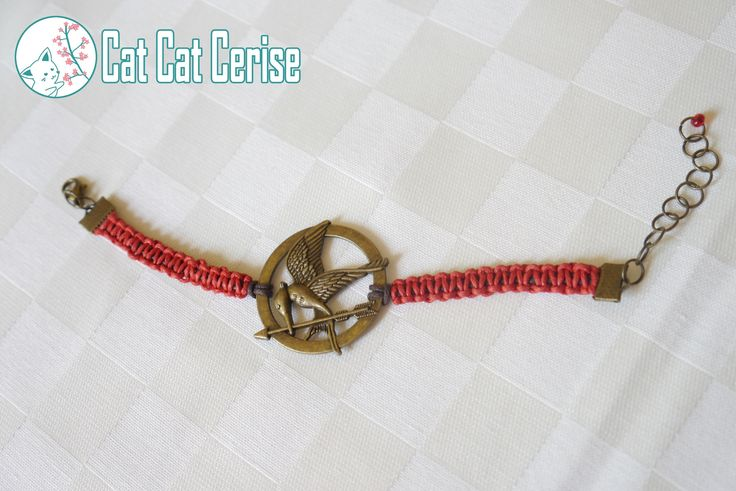 Pulsera Sinsajo de Los Juegos del Hambre, tejida a mano. #hungergames #juegosdelhambre #sinsajo #bracelet #pulsera