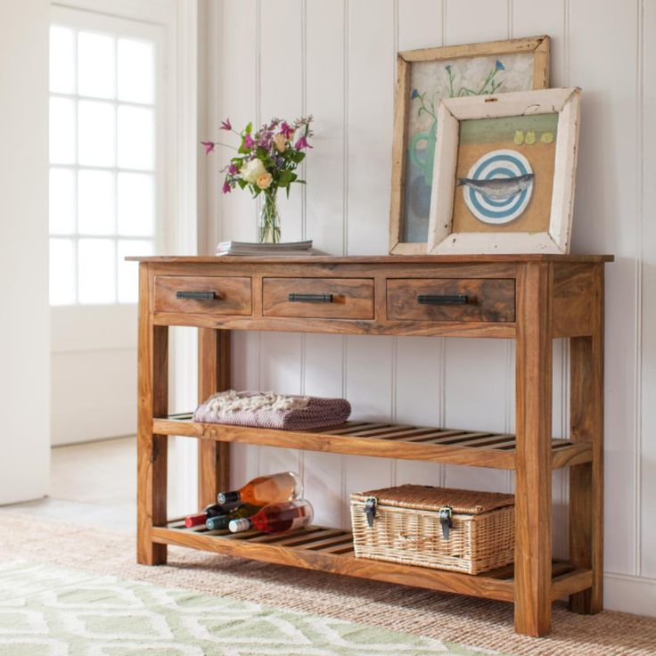 A welcome addition to your hall or landing, our Mallani Large Console Table is a space-saving design that uses little of your precious floor area