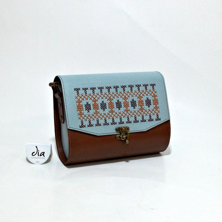 230 LEI | Genti  handmade | Cumpara online cu livrare nationala, din Bucuresti Sector 1. Mai multe Accesorii in magazinul ro.shop pe Breslo.