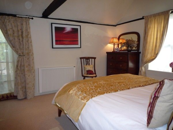The Blue Cow Bed and Breakfast - Luxury Guest accommodation St Ives Cambridgeshire. Situated in the Cambridgeshire village of Fenstanton, near the historic market towns of St Ives and Huntingdon.