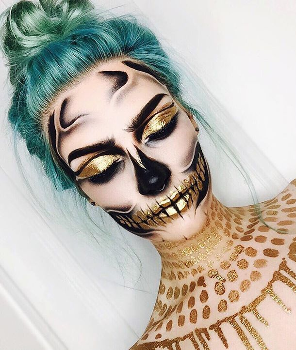 50 Pretty Halloween Makeup Ideas You'll Love | Halloween 2016 beauty looks for women | Gold sugar skull