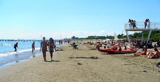 Benátky, veřejná pláž na Lido di Venezia
