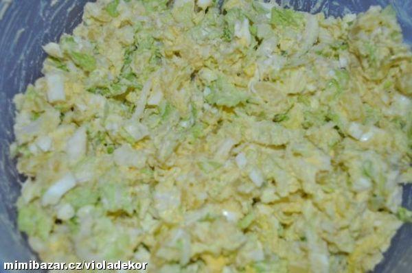 Brambory uvařím ve slupce,vejce natvrdo(dávám stejný poměr-např.8 středně velkých brambor+8 vajec. N...