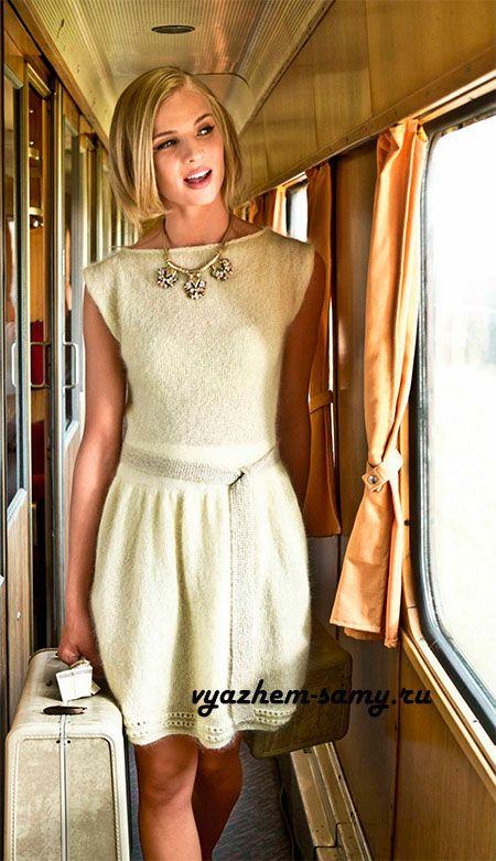 ....Связано платье спицами, из наилегчайшей, буквально невесомой, мохеровой пряжи с содержанием шёлка, маленькая нижняя юбка придаст объём платью в нижней его части и вместе с блестящим пояском создаст идеальный силуэт 50-х......