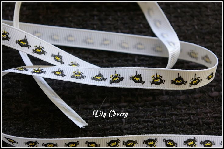 1 mètre de Ruban motif araignée blanc halloween : Rubans, biais pour bijoux par lilycherry