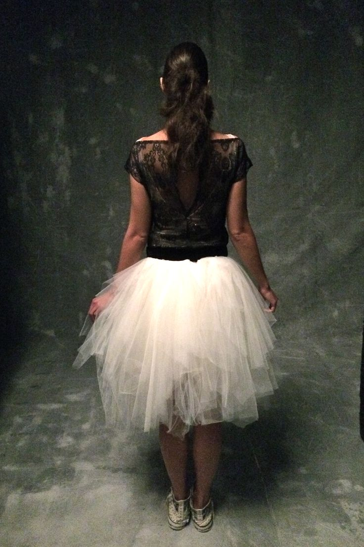 White tulle skirt #fluffy tulle skirt #black lace t-shirt