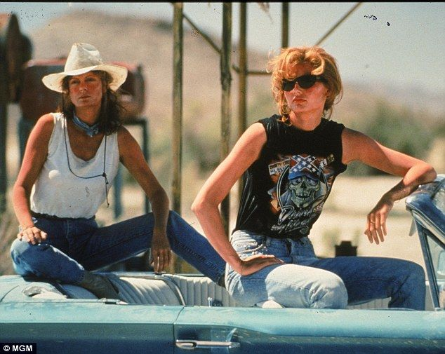 """Her Campus Towson: Why """"Thelma & Louise"""" Is The Ultimate Gal Pal Movie by Katie Murray"""