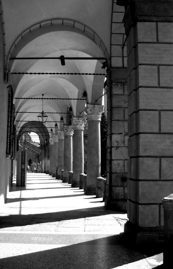 @Alice Grussu: #TheGreatBeauty in Italy is everywhere: #Bologna Portici #ITisME
