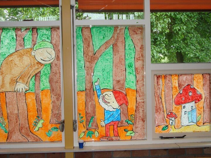Raamschildering bij het thema Reuzen en Kabouters