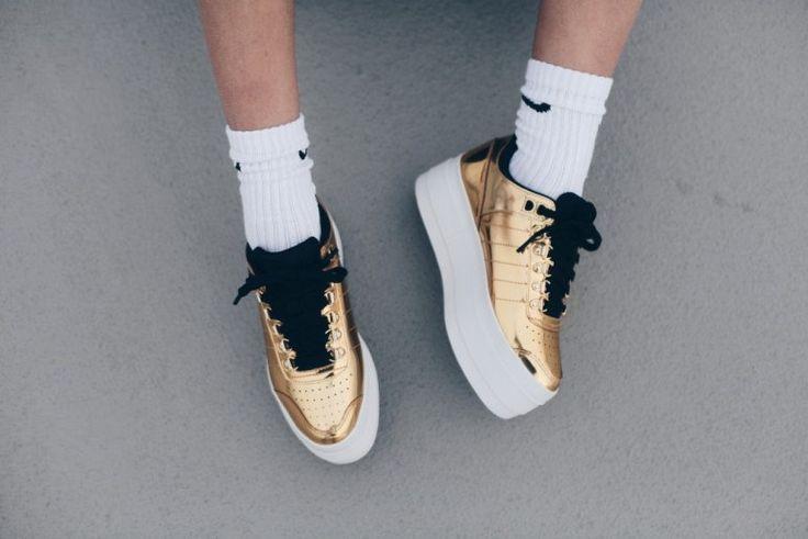 https://flic.kr/p/Hg9JP9 | K-Swiss Gstaad Platform / Fashion is a party | K-Swiss Gstaad Platform, k-swiss, k-swiss sneakers, dolls kill, sneakers, exclusieve sneakers, metallic sneakers, platform sneakers, fashion blogger, nike sokken, ginneynoa, damesschoenen