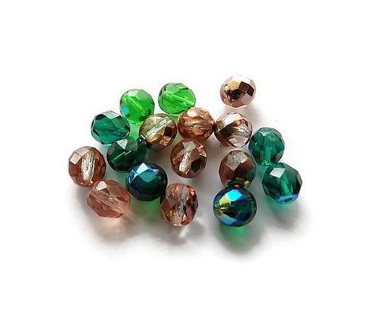 perles de verre à facettes mélange vert et rose saumoné 6 X 8 mm X 17 - Lot 17 perles à facettes : Perles en Verre par mamiechantal-screations