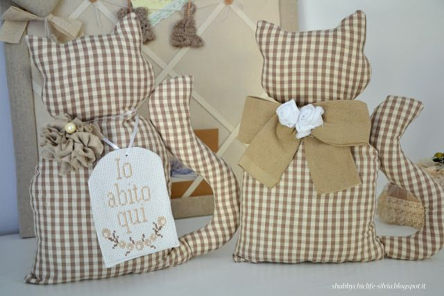 gatto fermaporta, cucito creativo http://shabbychiclife-silvia.blogspot.it