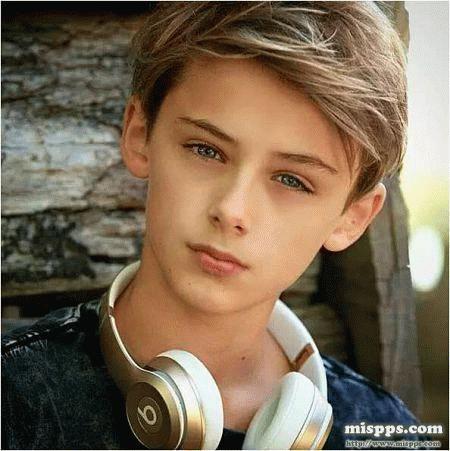 WILLIAM FRANKLYN-MILLER el niño mas bello de el mundo