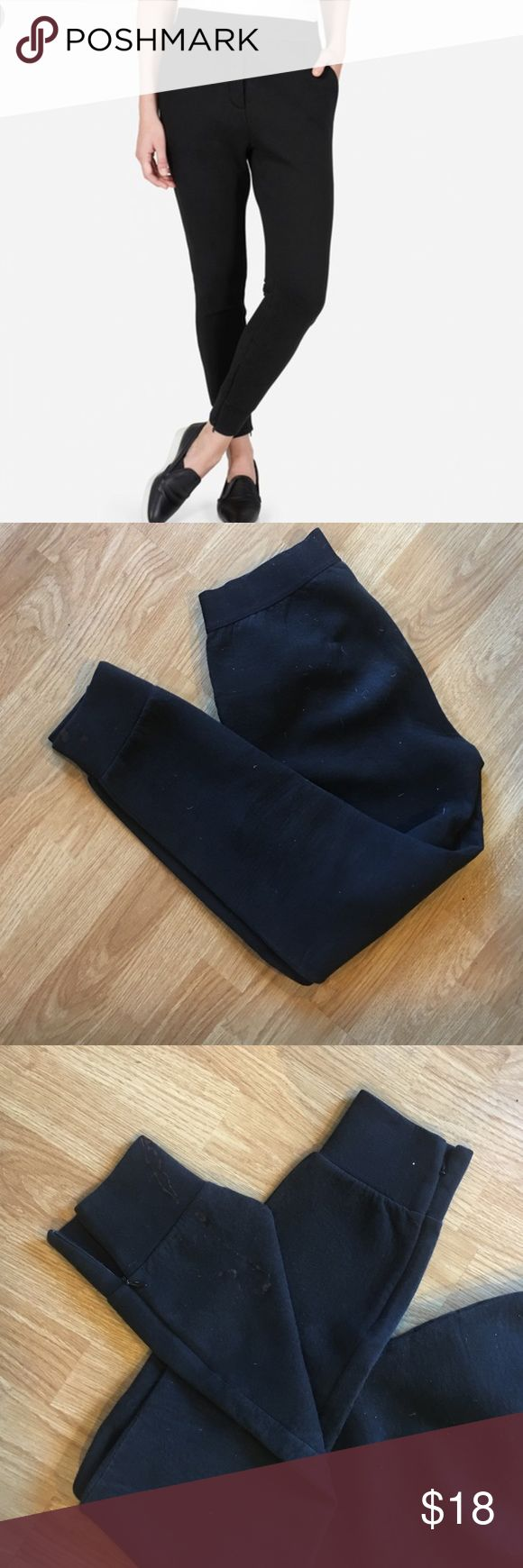 Everlane street fleece joggers | small Please read:  great sweatpants and very comfortable, but I got some bleach on the bottom :( I filled in with a sharpie marker, but it was kind of an old dried out marker. This could help a lot! That's why they are marked down so low. Everlane Pants Track Pants & Joggers