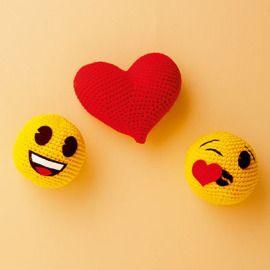 Fotoaktion #emojidiy - jetzt bist du dran! Welches ist dein Lieblings-Emoji? Aus welchem Material möchtest du es erstellen? Zeig` es uns bei Facebook, Instagram oder Pinterest & versehe es mit dem Hashtag #emojidiy. Also, sei dabei! Mehr Infos gibt`s auf: http://www.TOPP-kreativ.de/EmojiDIY