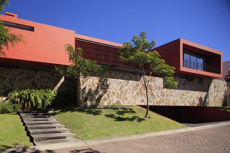 Imagen 11 de 36 de la galería de Casa Roja / Hernández Silva Arquitectos. Fotografía de Carlos Díaz Corona