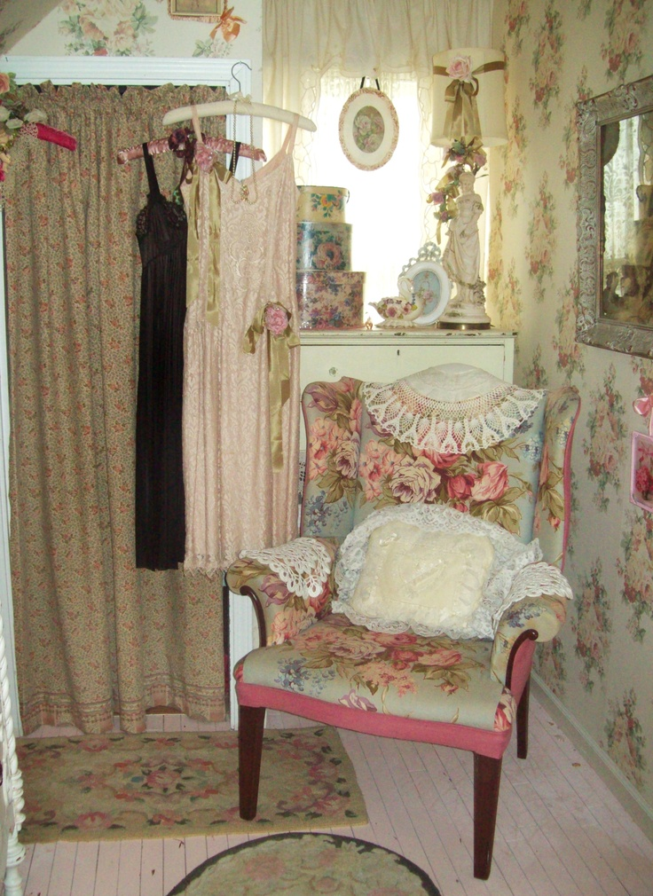 201 best my shabby dressing room images on pinterest for Lampe style shabby chic