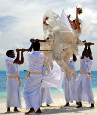 Plus ... Who wouldn't want to do this on their wedding day? A Maldives Wedding would be totally unforgettable...