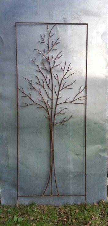 """Un tuteur """"arbre"""" dans un cadre de 1, 65 m par 0, 60 m Www.tuteur-de-jardin.fr"""
