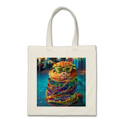 Funny Cat with Colorful Beads at Mardi Gras. Regalos, Gifts. #bolso #bag