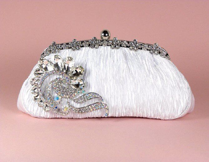 #WhackyWednesday Clutch purses are an important accessory as they are more for their decorative than the utility value. Carry a glamorous purse with you and add panache and complete your evening look.