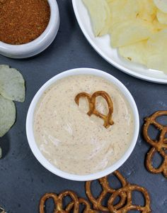 Try the southwestern flavors in our Fiesta Ranchero Dip Mix. Simply combine dip mix with sour cream and mayonnaise. Try using cream cheese for a thicker, taco dip taste.