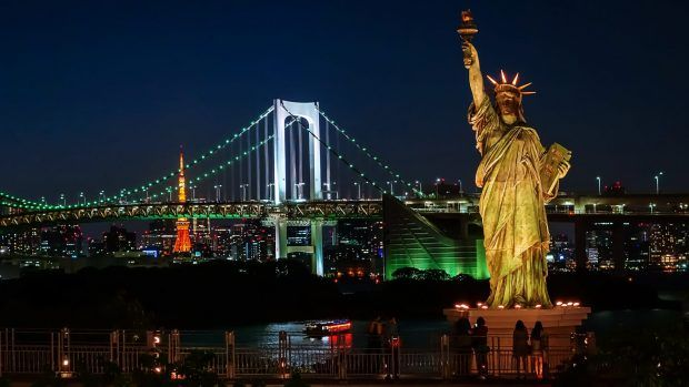 Statue Of Liberty At Night Wallpaper Hd Statue Of Liberty Liberty Wallpaper New York Statue
