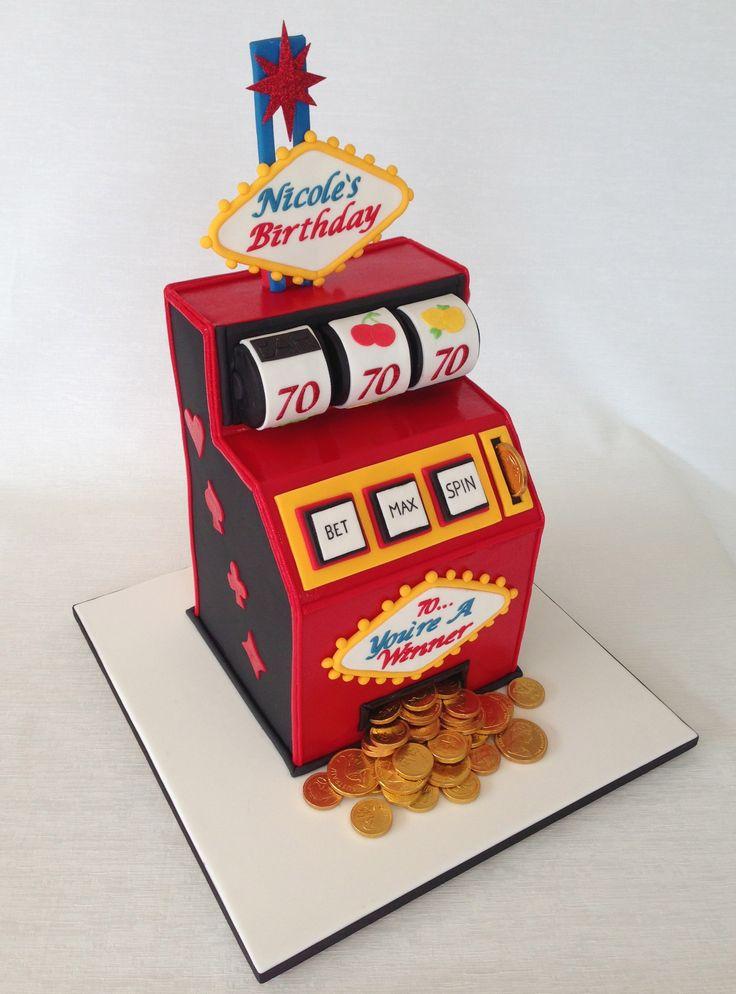 Vegas Slot Machine Cake www.divinecakedesign.com.au Fb: Divine Design - Cakes by Kylie Stidwell