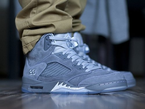 Jordan IV Retro Gray.