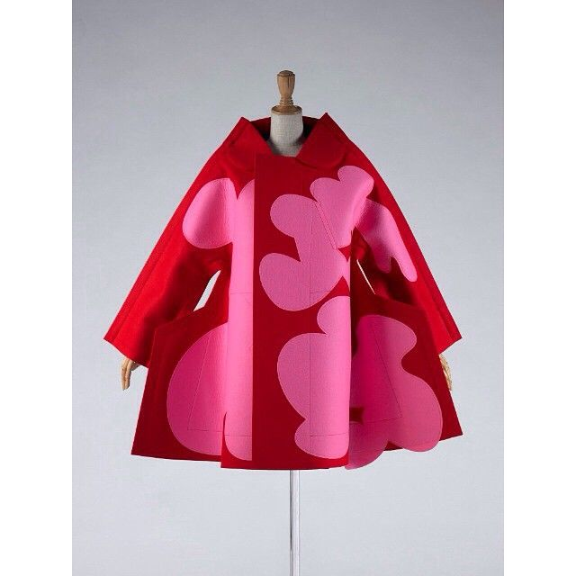 Thank you @qagoma (my local) for giving us Future Beauty: 30 Years of Japanese Fashion. Freaking amazing. I feel like my imagination's had an engine transplant. Jacket by Rei Kawakubo #genius #itclosedtoday #whatwilltheydonext #qagoma #futurebeauty #qldartgallery #art #japanesefashion #reikawakubo #goma