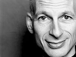 """Seth Godin. Da """"La Mucca Viola"""" in poi, non ho smesso di seguirlo. I suoi libri valgono un intero corso di marketing. Il suo """"essere straordinario"""" è un imperativo nella mia vita. http://www.ilgiardinodeilibri.it/autori/_seth-godin.php?pn=514"""
