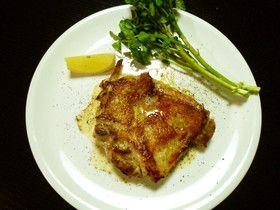 トリュフマスタードのレシピ 「鶏肉スパイス焼き&グリル野菜」  肉汁ジュワぁーでやわらかいです。 フライパンで焼いたあとの肉汁をグリル野菜に絡めてウマウマ。  http://www.trufflehunter.jp/truffle-mustard