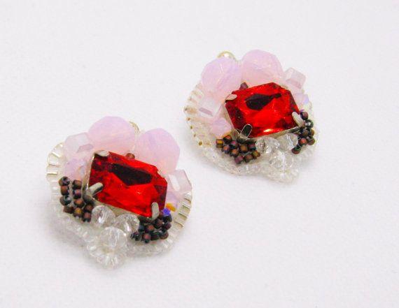 #small statements #holiday earrings #gifts #earrings #jewelry #crystal earrings #beaded earrings #fashion earrings