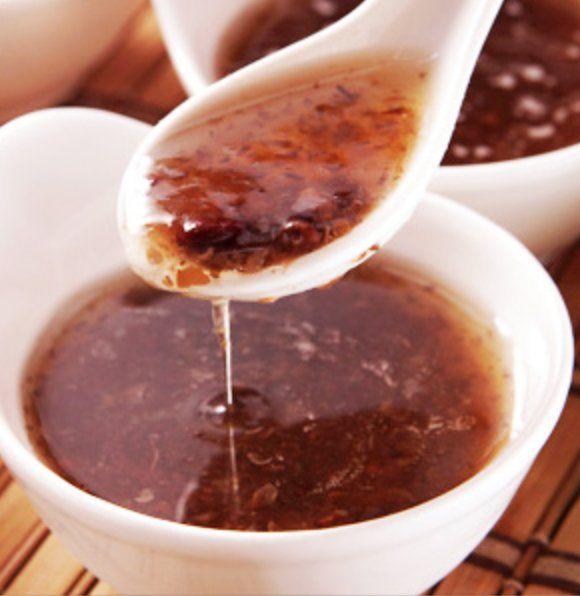想要去除脸上斑点吗?喝碗〝黑木耳红枣汤〞吧,还可以改善便秘喔~