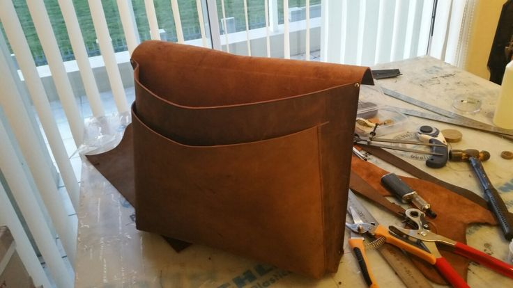 Creating a brown buffalo leather document bag. Geoleather.