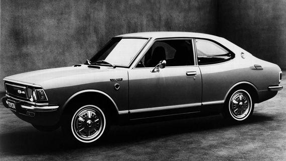 Седан Toyota Corolla 1971 / Тойота Королла 1971 второго поколения