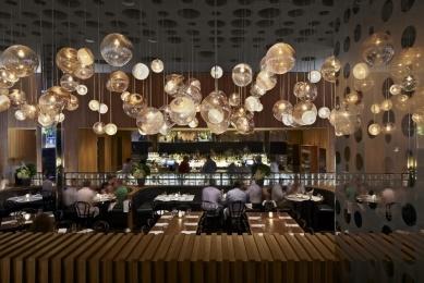 interior bar/ restaurant Dream Downtown Hotel