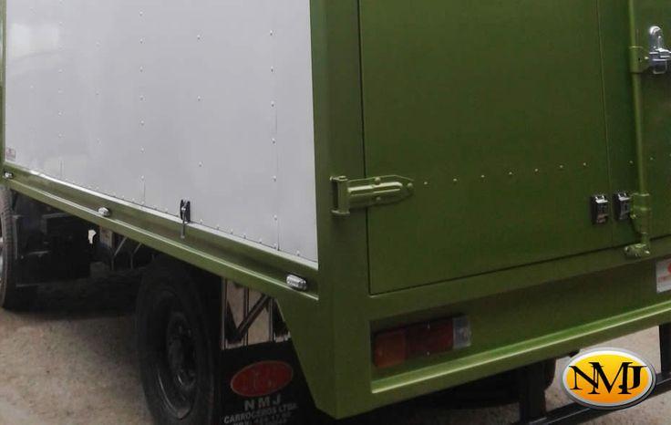 Nos centramos en la calidad y durabilidad trabajando estrechamente con nuestros clientes, asegurando que la carrocería del camión o camioneta supere sus expectativas. http://www.carroceriasyfurgonesnmj.com/diseno-instalacion-mantenimiento-y-venta-de-camiones-furgones-nuevos-y-usados