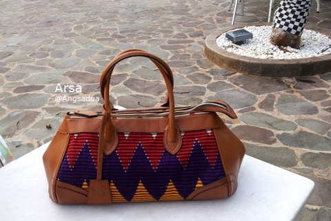 This Weekender duffle bag will make your weekend shine like a diamond ;)   Made from tenun ikat rang rang  one of Balinese handwoven fabric, with good quality calf skin.   grab it on www.angsadua.com