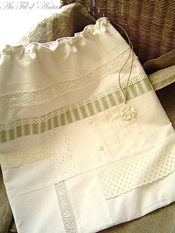 Grand sac à linge shabby chic, patchwork de linge ancien, pièce uniq : Textiles et tapis par aufildantan                                                                                                                                                                                 Plus