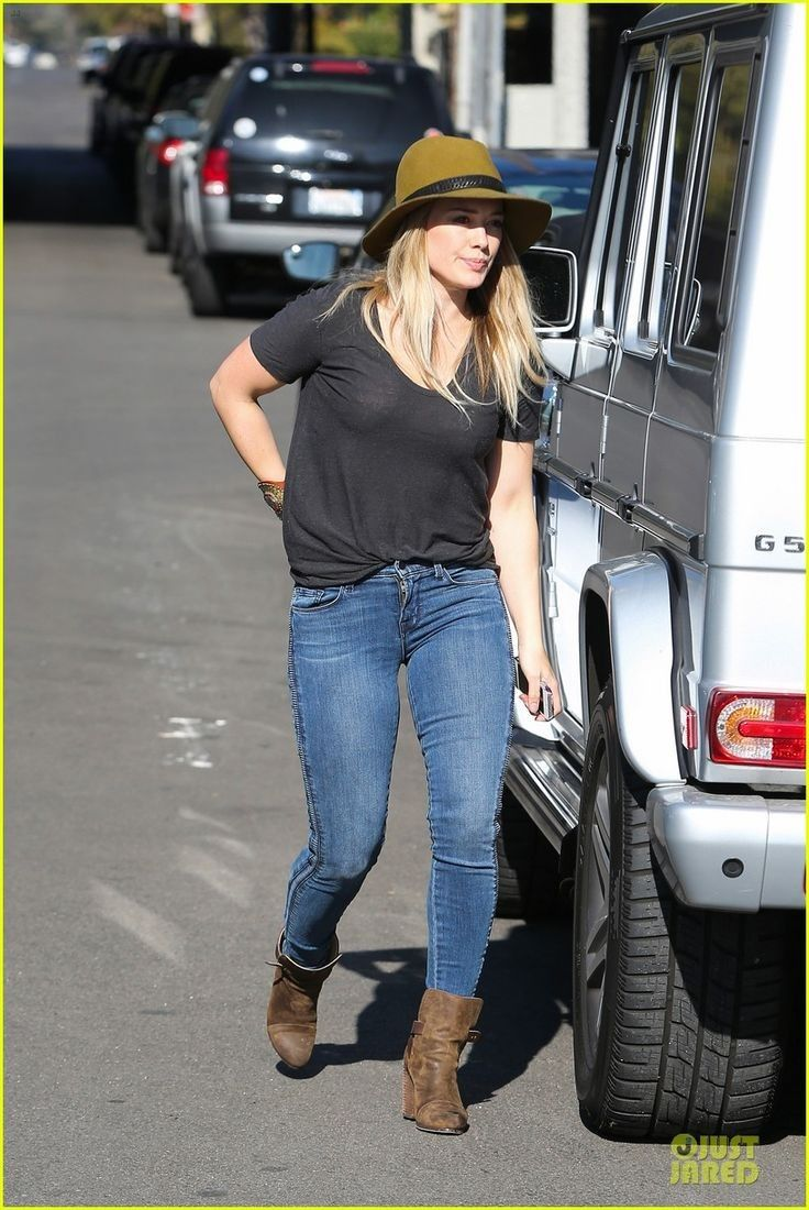 HILARY DUFF... - Celebrity Street Style
