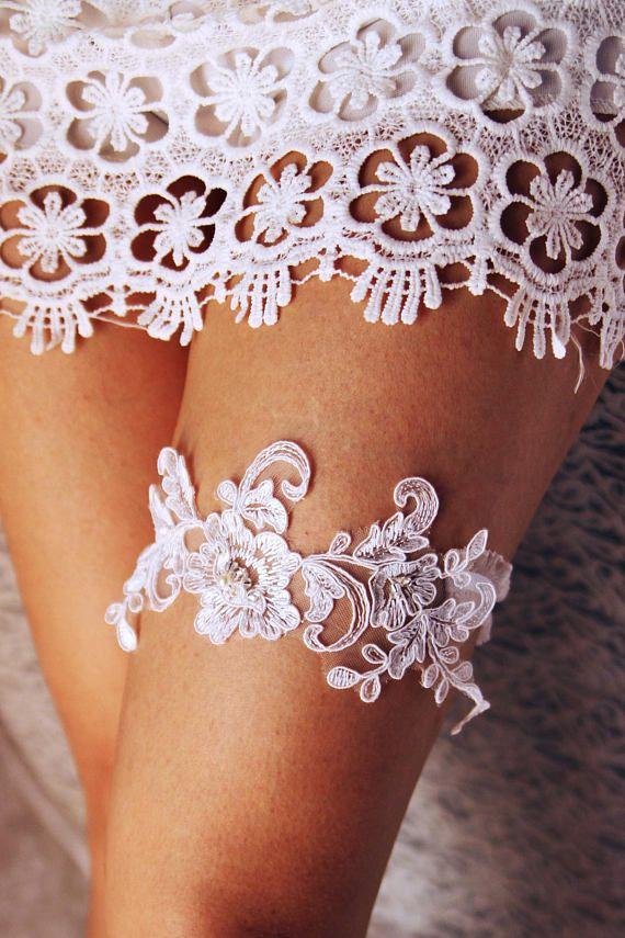 2ca16364b48 Ivory Garter Bridal Garter Wedding Garter Lace Garter Toss Garter - Pearls Beaded  Garter Belt - Vintage Garter Personalized Wedding Gift