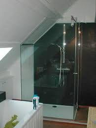"""Résultat de recherche d'images pour """"douche in kleine ruimte schuin dak"""""""