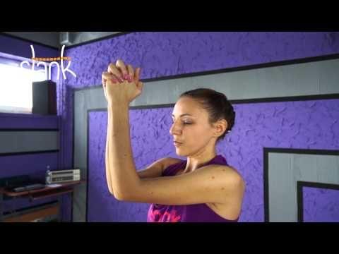 ▶ Trening klatki piersiowej dla kobiet - YouTube