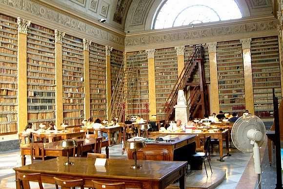 Biblioteche, declassata la Palatina: Parma paga la mediocrità di politici che si azzuffano come polli di Renzi