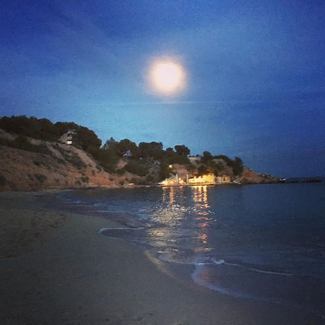Mallorca Full Moon 2016 November's Full Moon is The Biggest And Brightest Until 2034  #superluna  #Supermoon 2016
