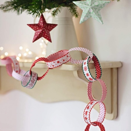 cross stitch paper chain === fancy woven/embroidered ribbons