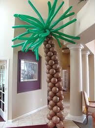 Palm tree with skinny green balloon leaves - Perfect for a beach themed shower!!